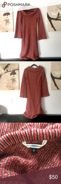 DVF Long Wide Sleeves Shoulder off Banded Knit Long Wide Sleeves Shoulder off Banded Knit Slim Fit dress. Monarch wool and polyamide. Diane Von Furstenberg Dresses Midi