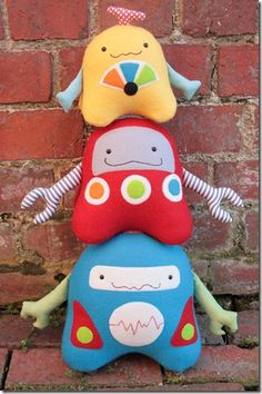 Pattern ''Stacks on Robots'' Soft Sculpture, Stuffed Toy, Softie, Cloth Toy Sewing Pattern by Ric Rac Softies, Plushies, Diy Doll Pattern, Robot Cute, Sewing Projects, Sewing Crafts, Fabric Toys, Sewing Pillows, Sewing Toys