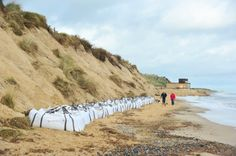 Photo gallery: DIY coastal erosion defences being put in place on Hemsby beach - News - Eastern Daily Press