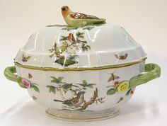 Herend porcelain lidded tureen, decorated with birds and roses, with a bird shaped knop, 9''h x 13''w