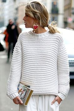 25 Chunky Sweater Outfits For The Holidays 25 Chunky Knit . 25 chunky sweater outfits for the holidays 25 chunky sweater outfits for the holidays Always want. Chunky Sweater Outfit, Sweater Outfits, Pullover Outfits, White Knit Sweater, Cable Sweater, Comfy Sweater, White Sweaters, Sweaters For Women, Casual Sweaters