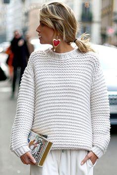 Helena Bordon optou por um tricot claro que é peça curinga no closet