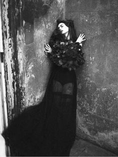 100 Gothic-Inspired Styles - From Regal Gothic Fashion to Glamorous Gothic Designs (TOPLIST)