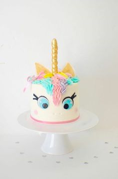 Unicorn Cake, unicorn cake topper, unicorn horn, unicorn party, edible Unicorn horn by SmashCaked on Etsy Unicorn Birthday, Unicorn Party, Rainbow Unicorn, Unicorn Wedding, Rainbow Magic, Unicorn Head, Beautiful Cakes, Amazing Cakes, Cake Cookies