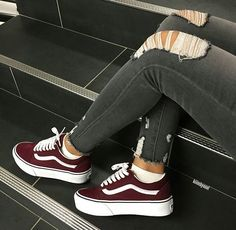 Women shoes For Fall Winter - - Women shoes Sneakers Fashion - - Sneakers Vans, Moda Sneakers, Vans Shoes, Sneakers Fashion, Fashion Shoes, 90s Fashion, Casual Sneakers, Fashion Women, Girl Fashion