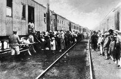 Karaganda En la ciudad de Karaganda, en Kazajistán, estuvo una de las mayores colonias penitenciarias soviéticas entre los años 30 y 1958. Muchos niños nacieron allí y padecieron su horror. Estos son los testimonios de los que sobrevivieron al Gulag, el relato de un infierno al que no escapaban ni los bebés. Por Jean-Marc Gonin / Fotografía de Éric Bouvet A la edad de la inocencia, en la que la mayoría de los niños viven despreocupados, ellos soportaron el hambre, las enfermedades y la…