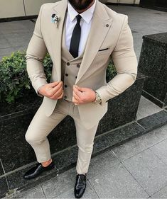Worry no more my man! Because we've got the most Stylish Wedding Suit Styles For Nigerian Men which you could choose from the best naija men wedding suits styles of Best Suits For Men, Cool Suits, Suit For Men, Best Wedding Suits For Men, Suit And Tie, Mens Fashion Suits, Mens Suits, Men's Fashion, Fashion Ideas