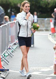 Kate Middleton Shoes, Estilo Kate Middleton, Kate Middleton Pictures, Kate Middleton Style, Duchess Kate, Duke And Duchess, Duchess Of Cambridge, Blake Lively, Princesa Kate Middleton