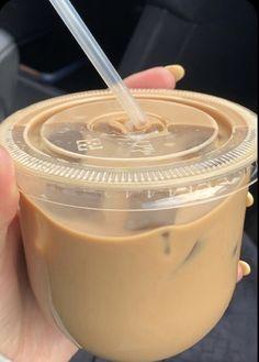 Comida Do Starbucks, Bebidas Do Starbucks, Coffee Cafe, Iced Coffee, Coffee Drinks, Coffee Milk, Aesthetic Coffee, Aesthetic Food, Comidas Fitness