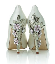 Exclusive Harriet Wilde shoe collection launches at Harrods - I know they are bridal shoes but I just love the heels! Bridal Shoes, Wedding Shoes, Bridal Footwear, Wedding Heals, Cute Shoes, Me Too Shoes, Awesome Shoes, Shoe Boots, Shoes Heels