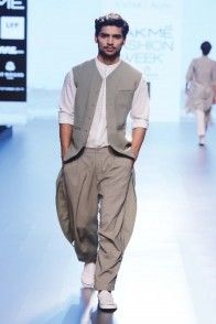 Online Shopping Dubai, Online Designer Fashion Store for Women India Fashion Men, Indian Men Fashion, Kurta Pajama Men, Kurta Men, Wedding Dresses Men Indian, Wedding Dress Men, Best Suits For Men, Cool Suits, Mens Indian Wear