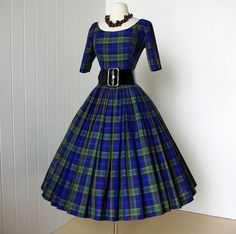 Gigi Young Blue & Green Plaid Dress Full Skirt with Tulle Crinoline Petticoat Vintage 1950s Dresses, Vintage Outfits, 50s Vintage, Vintage Clothing, 1950s Fashion, Vintage Fashion, Club Fashion, Pretty Dresses, Beautiful Dresses