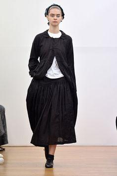 コム デ ギャルソン・コム デ ギャルソン(COMME des GARÇONS COMME des GARÇONS) 2016年春夏コレクション Gallery17 - ファッションプレス
