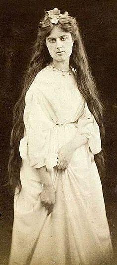 Marie Spartali Stillman, 1868 photographed by Julia Margaret Cameron