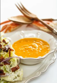 """""""He Won't Know It's Paleo"""" cookbook preview #3: Crab Bisque! This one definitely does NOT taste like a healthy version! I've served this to plenty of non-paleo family members and friends and eveyone loves it! #hwkip #hwkipcookbook Paleo Soup, Paleo Meals, He Wont Know Its Paleo, Crab Bisque, Paleo Cookbook, Health And Nutrition, Health Fitness, Gluten Free Grains, Healthy Soups"""