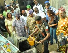 Police uncover illegal oil wells in homes in Lagos    The police in Lagos have discovered at least 12 shallow oil wells in some homes in the Ilasamaja area of the State.  The wells which could pass for ordinary water wells were said to have been built by landlords of the buildings to illegally scoop diesel from pipelines belonging to the Nigerian National Petroleum Corporation (NNPC) and selling to members of the public. NNPC pipelines run through the ground in the area.Some of the affected…