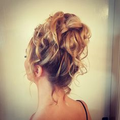 Grad / debs upstyle loose and high up controlled messy upstyle on blonde hair Hair Upstyles, Side Hairstyles, Blonde Hair, Stylists, Hair Cuts, Dreadlocks, Long Hair Styles, Beautiful, Wedding