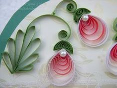 a delicate quilled flower - from cardsandschoolprojects.blogspot.com