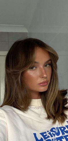 Bangs With Medium Hair, Medium Hair Cuts, Medium Hair Styles, Short Hair Styles, Medium Length Hair With Layers Straight, Soft Bangs, Pretty Hairstyles, Straight Hairstyles, Haircuts For Medium Length Hair Straight