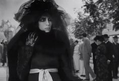 Jamie Bochert as Marchesa Luisa Casati in the short film Once Upon a Time, directed by Karl Lagerfeld. Marchesa, All Fashion, Fashion Photo, Edwardian Fashion, Vintage Fashion, Napoleon Perdis, Burlesque Costumes, Dramatic Makeup, Musa