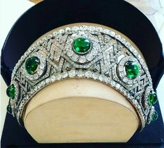 The Yugoslavian Emerald Tiara This tiara ended up in Yugoslavia, but it has origins with the Romanovs in Russia. The piece was made by Bolin for Princess Ella of Hesse. In Ella gave the tiara to Royal Crown Jewels, Royal Crowns, Royal Tiaras, Royal Jewelry, Tiaras And Crowns, Fine Jewelry, Van Cleef Arpels, Antique Jewelry, Vintage Jewelry