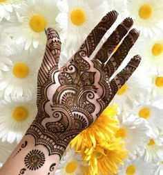 130 Simple and Easy Mehndi Designs For Hands - Mehndi designs - Hand Henna Designs Round Mehndi Design, Palm Mehndi Design, Rose Mehndi Designs, Full Hand Mehndi Designs, Mehndi Designs For Girls, Mehndi Designs For Beginners, Mehndi Designs 2018, Mehndi Design Photos, Simple Mehndi Designs