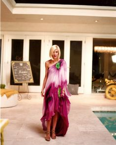 DIY caftan, from Tori, queen of all fabulous caftans!  Love it!