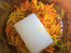 Smalec i nagietek. Prosty sposób na składnik maści regenerującej na zimę. Coconut Flakes, Deli, Spices, Soap, Spice, Bar Soap, Soaps