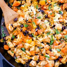 An easy dinner all made in one skillet- Mexican Chicken, Sweet Potato and Black Bean Skillet. Top this healthy dinner with shredded cheese and cilantro for a fast and delicious Mexican inspired meal! Smoothie Recipes, Soup Recipes, Salad Recipes, Chicken Recipes, Cooking Recipes, Healthy Recipes, Healthy Dishes, Apple Recipes, Family Recipes