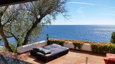 Ferienhaus Meerblick Casa Raya: Das Ferienhaus mit Guesthouse befindet sich direkt am Strand von Cala Anguilla, der Ostküste von Mallorca