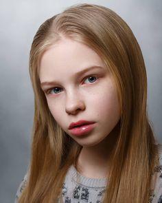 Nadia Borczynska Images, Photos, Reviews