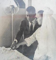 Noiva com Classe: Pelé: os casamentos do Rei do Futebol Pelé (Edson Arantes do Nascimento) casou-se com Rosemeri (Rose) dos Reis Cholbi em  21 de Fevereiro de 1966 em Santos - SP. O casal teve três filhos e separaram-se em 1978.