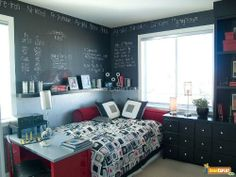 Nice boy room, small space.  Love the chalkboard  paint...