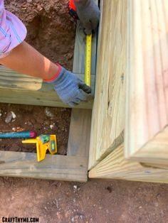 How to Make Timber and Pea Gravel Stairs • The Reaganskopp Homestead Outdoor Wood Steps, Outdoor Stairs, Backyard Drainage, Sloped Backyard, Landscaping Retaining Walls, Backyard Landscaping, Modern Landscaping, Pea Gravel Patio, Gravel Walkway