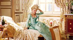 Kirsten Dunst As Marie Antoinette On A Beautiful Yellow