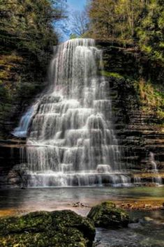 Tennessee Waterfalls | Carmac Falls near Smithville TN