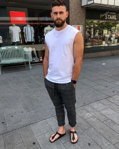Nice style by maingold. Unisex Fashion, Boy Fashion, Mens Fashion, Mode Masculine, Tank Top Outfits, Cool Outfits, Gym Outfits, Mens Hairstyles With Beard, Birkenstock Style