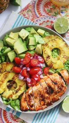 Sriracha Lime Chicken Chopped Salad with a light lime vinaigrette. Sriracha Lime Chicken Chopped Salad with a light lime vinaigrette. Paleo Recipes, Cooking Recipes, Cooking Tips, Radish Recipes, Paleo Food, Avocado Recipes, Simple Recipes, Lunch Recipes, Caveman Diet Recipes