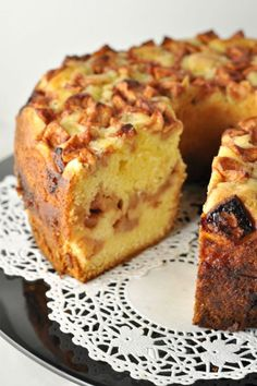 Apple Cake with Warm Salted Caramel Sauce l Flavour and Savour Apple Desserts, Fall Desserts, Apple Recipes, Just Desserts, Sweet Recipes, Delicious Desserts, Cake Recipes, Dessert Recipes, Yummy Food