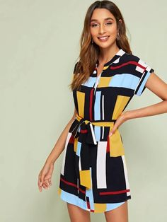 Geometric Print Curved Hem Belted Dress – kidenhome Casual Dresses For Women, Dresses For Work, Summer Dresses, Clothing Deals, Classy Casual, Printed Sweatshirts, Belted Dress, Cool Style, Short Sleeve Dresses