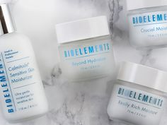 Do you moisturize daily? Check out our favorite moisturizers for every skin type – even acne-prone and oily skin.