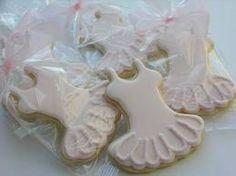Resultado de imagen para pastel de quequitos en forma de vestido tutu