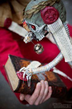 warhammer_40k_40000_cosplay_althair_missionary_pri_by_althairlangley-d5vkmk4.jpg (730×1095)