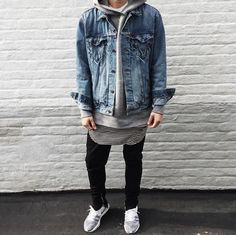 Fashion \ Lifestyle \ Music on Eezy HQ Daily Fashion, Love Fashion, Style Fashion, Outfits For Teens, Cool Outfits, Casual Outfits, Flyknit Trainer, Denim Jacket Fashion, Streetwear Fashion