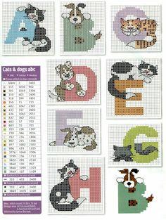 Alfabeto con gatos y perros, para punto de cruz.
