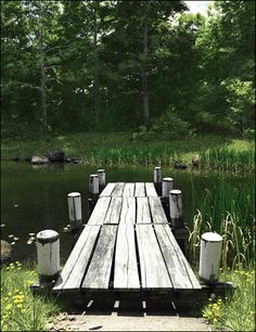 If this little pier was mine I would be oh so happy......Such Joy it would bring me ♥ ♥ ♥ :)