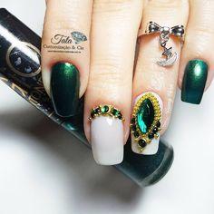 www.tatacustomizaçãoecia.com.br @kariinethais ❤ As melhores pedrarias para as unhas da Thais Rodriigues ❤❤ Para comprar entra no site www.tatacustomizaçãoecia.com.br @tata_customizacao_e_cia #simonetis #pedrarianasunhas #tatacustomização #nails #nailsluxo #nailartwow #nailart #nailsart #topcure #nailsshow #nailaddict #nailsdesign