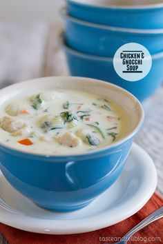 Chicken and Gnocchi Soup Recipe ~ A copycat of Olive Garden's famous soup, this soup is filled with vegetables, chicken and potato gnocchi, all in a creamy, flavorful and comforting soup.