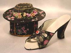 If The Shoe Fits Victorian Rose Miniature Shoe and Hat Box