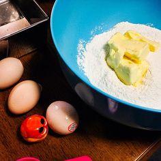 Putting ingredients